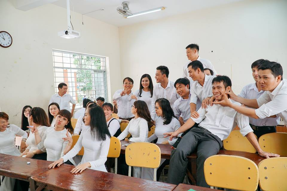 Bộ ảnh kỷ yếu đặc biệt: 20 năm sau ngày ra trường, cả lớp vẫn họp mặt với gần đủ sĩ số!-8