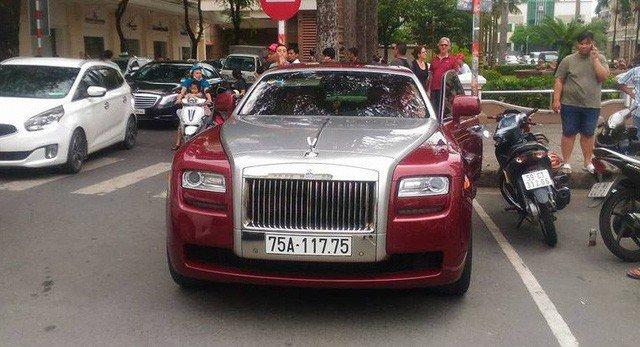Đại gia Huế chơi Rolls-Royce Ghost biển ngũ quý 1 hơn 11 tỷ đồng-2