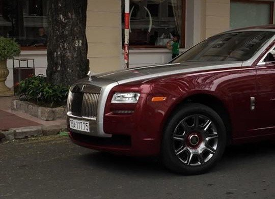 Đại gia Huế chơi Rolls-Royce Ghost biển ngũ quý 1 hơn 11 tỷ đồng-4