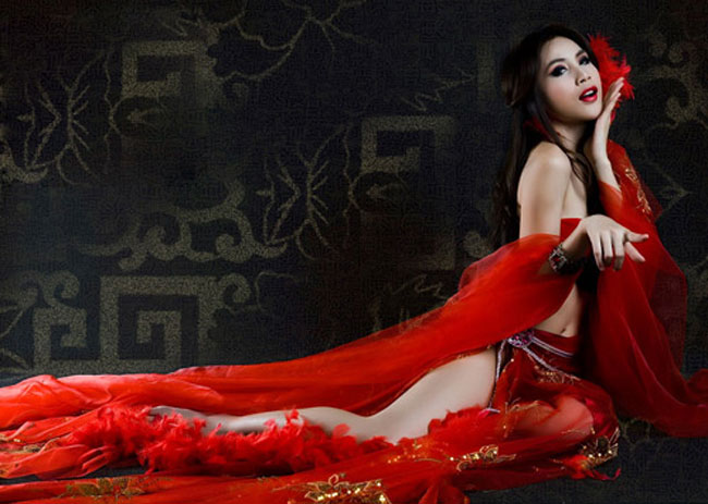 """Choáng với ngực khủng"""" Elly Trần, Ngọc Trinh khi hoá thân mỹ nữ cổ trang-5"""