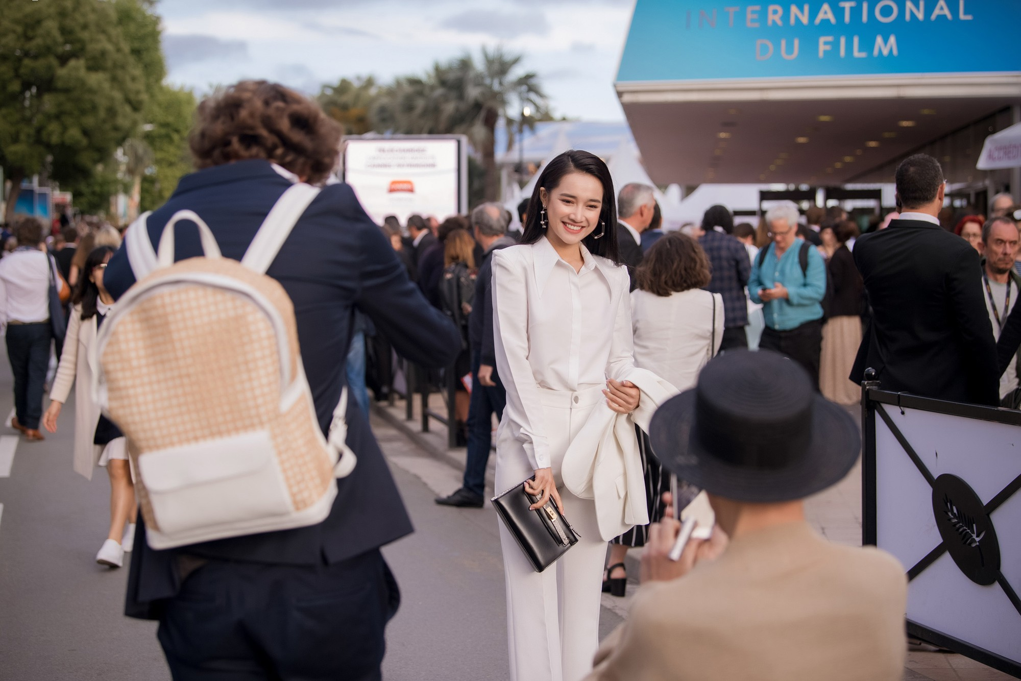 Sau lùm xùm tình ái, Nhã Phương lấy lại thần thái rạng rỡ khi xuất hiện tại Cannes-3
