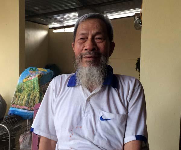 Người đàn ông đầu tiên bắt rắn độc nhả ra... vàng 9999 ở Việt Nam-2
