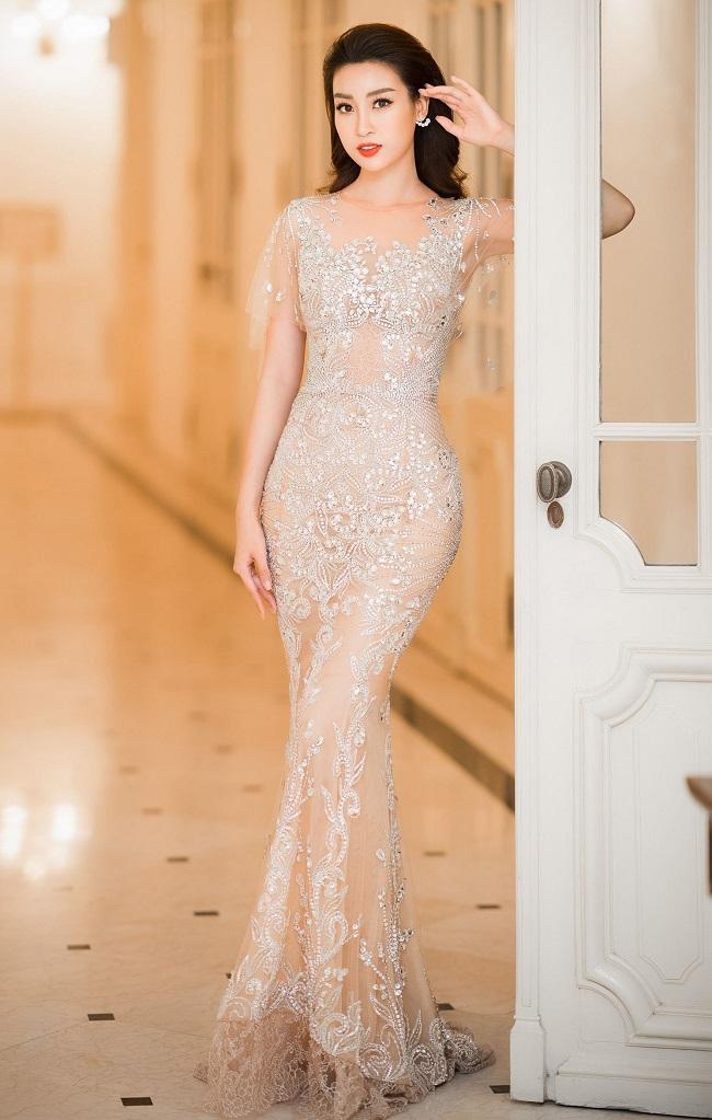 Những lần sexy bất ngờ của 4 Hoa hậu Việt Nam nổi tiếng kín đáo-9