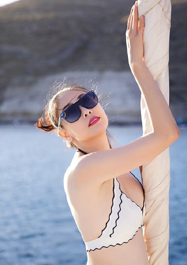 Những lần sexy bất ngờ của 4 Hoa hậu Việt Nam nổi tiếng kín đáo-11