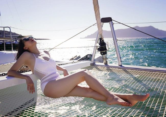 Những lần sexy bất ngờ của 4 Hoa hậu Việt Nam nổi tiếng kín đáo-13