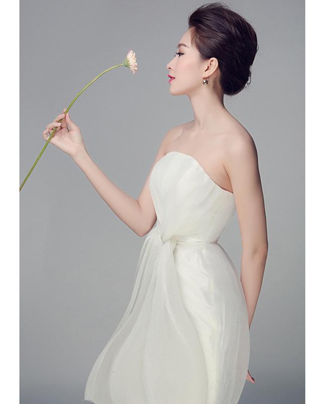 Những lần sexy bất ngờ của 4 Hoa hậu Việt Nam nổi tiếng kín đáo-4