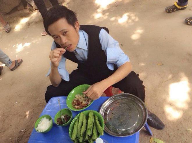 Quyền Linh, Hoài Linh, Mỹ Tâm sở hữu tài sản siêu khủng vẫn sống cực giản dị-9