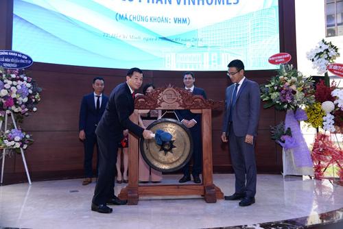 Vinhomes chính thức niêm yết 2,68 tỷ cổ phiếu mã VHM-2