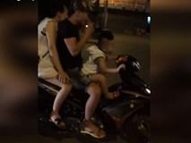 Hai vợ chồng để con nhỏ lái xe lao vun vút trên đường gây phẫn nộ