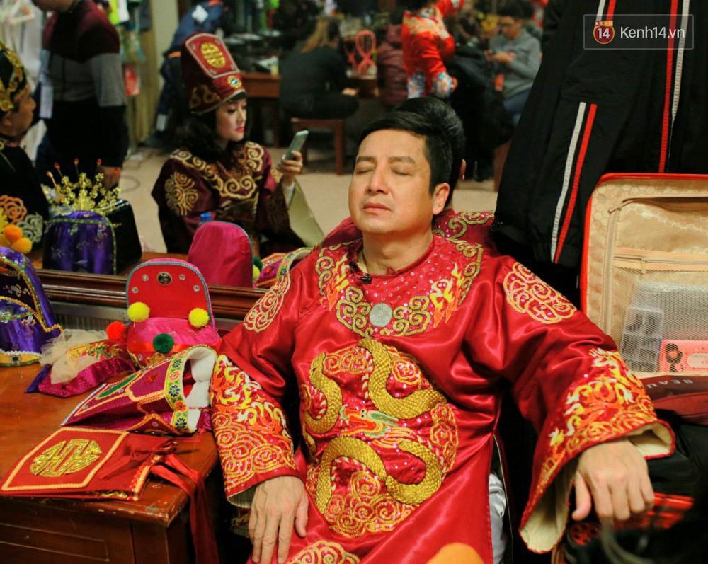 1001 dáng ngủ siêu khó đỡ của sao Việt: Cứ đặt lưng xuống là ngủ bất kể địa hình!-1