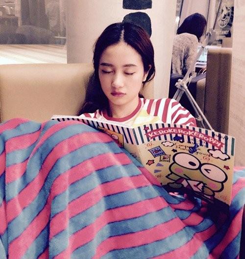 1001 dáng ngủ siêu khó đỡ của sao Việt: Cứ đặt lưng xuống là ngủ bất kể địa hình!-16