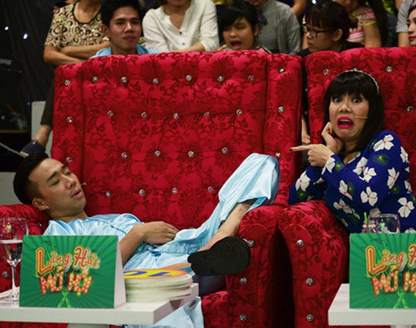 1001 dáng ngủ siêu khó đỡ của sao Việt: Cứ đặt lưng xuống là ngủ bất kể địa hình!-6