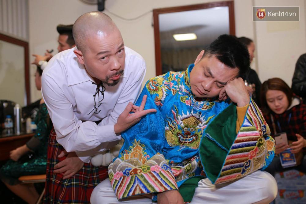 1001 dáng ngủ siêu khó đỡ của sao Việt: Cứ đặt lưng xuống là ngủ bất kể địa hình!-2