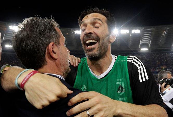 Thủ môn huyền thoại Buffon chính thức rời Juventus-1