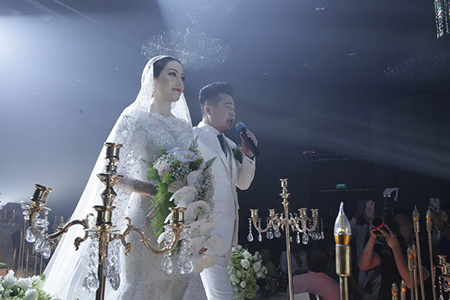 Tuấn Hưng cùng vợ con đến chúc mừng Lâm Vũ cưới vợ Việt Kiều-3
