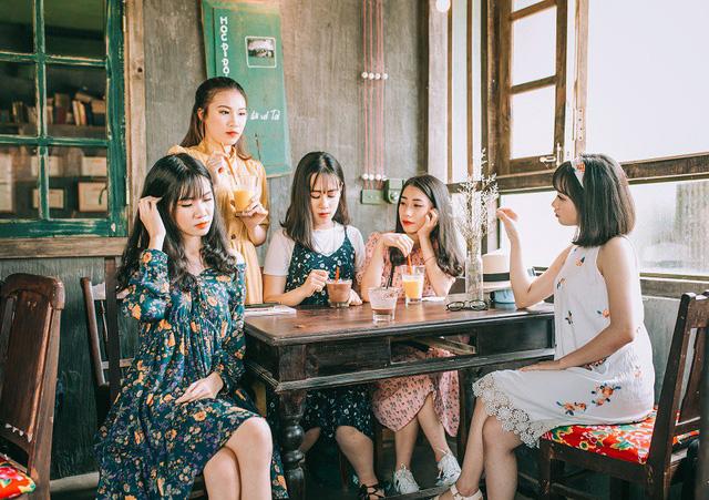 Kỷ yếu đậm chất... tổ dân phố của học sinh Quảng Ninh-10