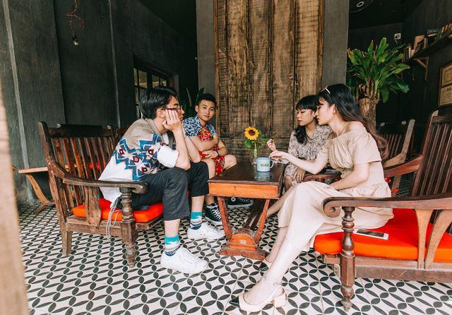 Kỷ yếu đậm chất... tổ dân phố của học sinh Quảng Ninh-7