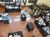 'Lời khai sinh đôi' làm nóng phiên tòa xử bác sĩ Hoàng Công Lương
