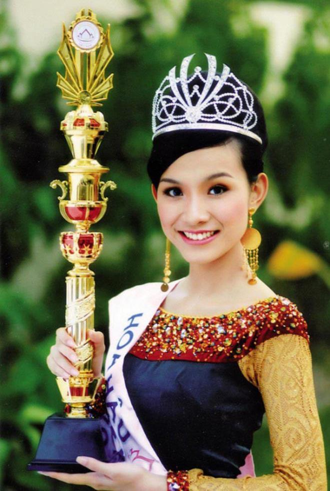 Nhan sắc và cuộc sống kín tiếng của Hoa hậu Hoàn vũ Việt Nam đầu tiên sau 10 năm đăng quang-1