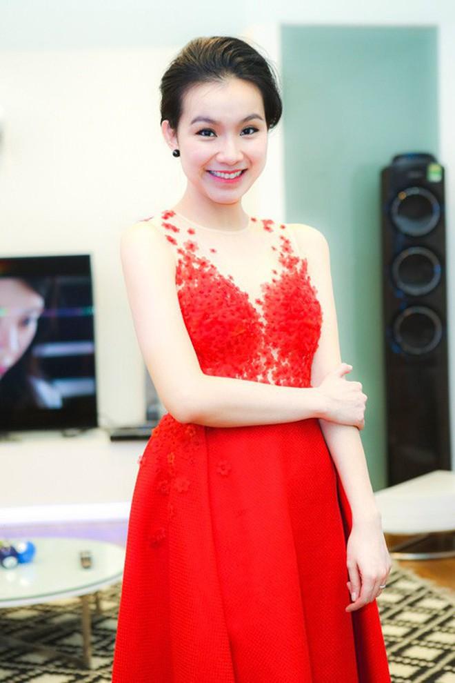 Nhan sắc và cuộc sống kín tiếng của Hoa hậu Hoàn vũ Việt Nam đầu tiên sau 10 năm đăng quang-10