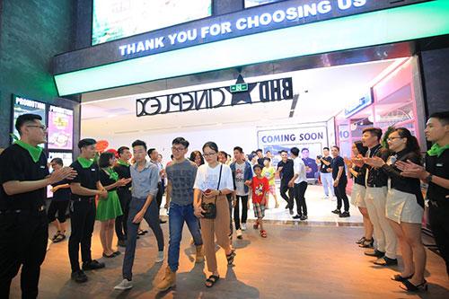 Tưng bừng khuyến mại mừng khai trương Vincom ở Huế, Quảng Bình-8