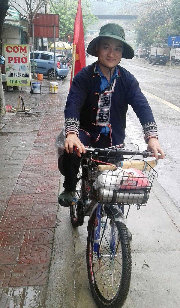 Chỉ 132 nghìn đồng, chàng trai đạp xe hơn 1.000km theo dấu chân Bác-1