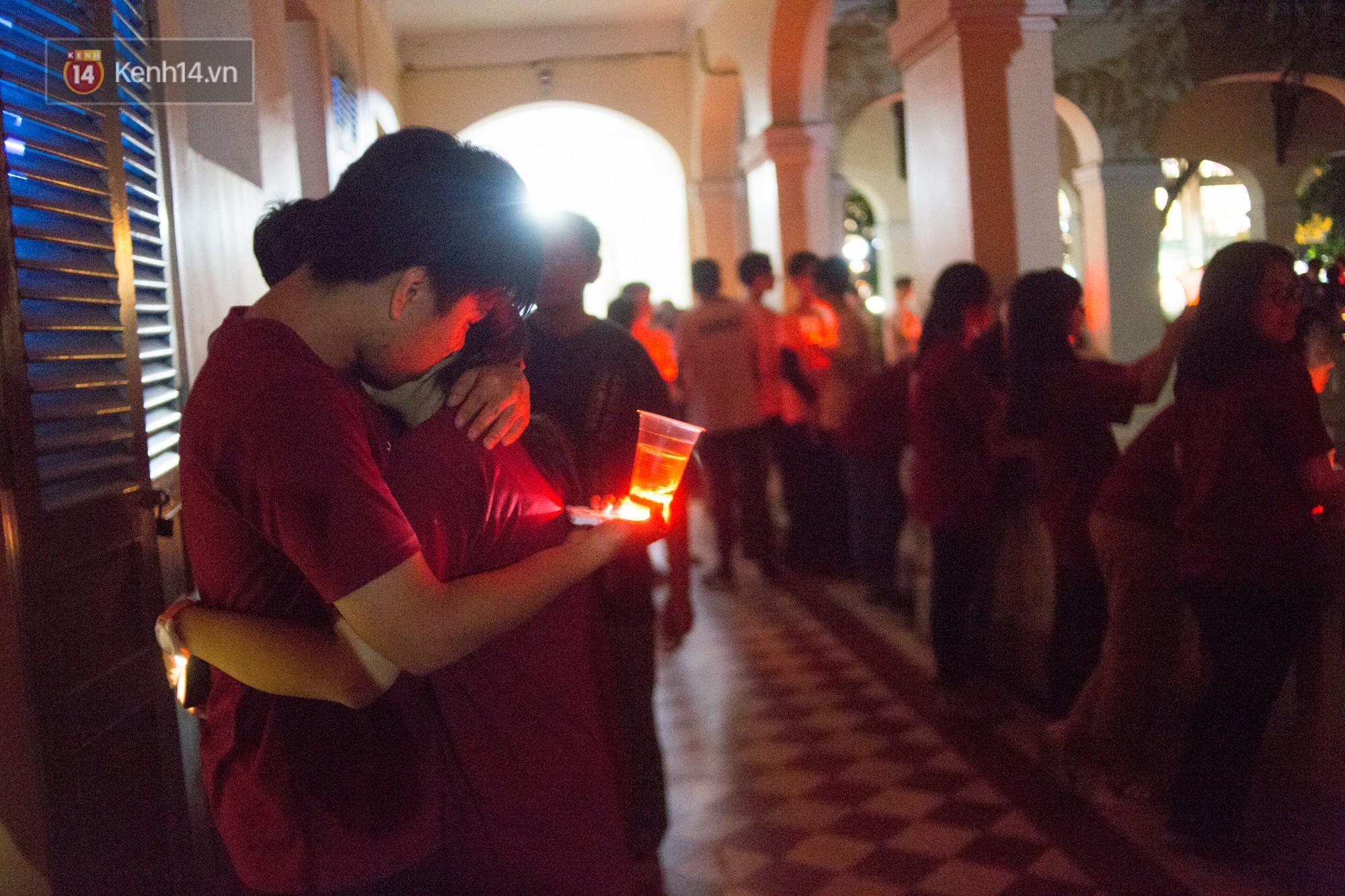 Ngày ra trường của teen Lê Hồng Phong: Nụ cười và nước mắt, bạn tôi ơi xin bên nhau thêm chút nữa!-21