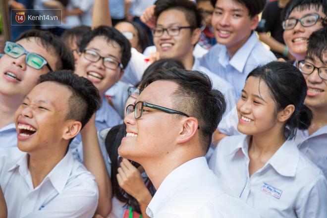 Ngày ra trường của teen Lê Hồng Phong: Nụ cười và nước mắt, bạn tôi ơi xin bên nhau thêm chút nữa!-7