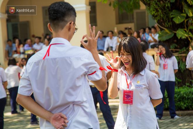 Ngày ra trường của teen Lê Hồng Phong: Nụ cười và nước mắt, bạn tôi ơi xin bên nhau thêm chút nữa!-8