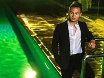 Quang Hải U23 'đốn tim' người xem khi trải nghiệm vai trò làm mẫu