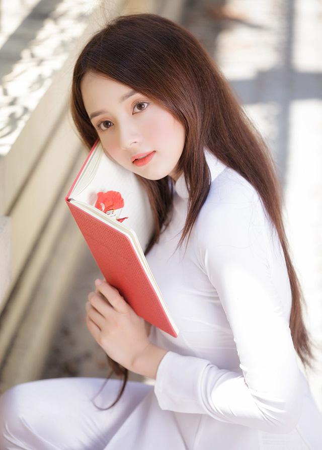 Hot girl ảnh thẻ Hương Lê diện áo dài trắng nhớ thuở học trò-6