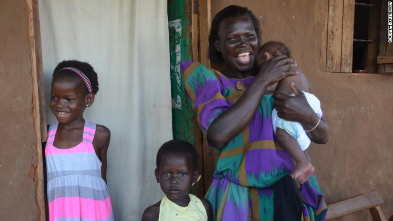 Nhận nuôi bé gái châu Phi, cặp vợ chồng không ngờ sau khi cô bé học tiếng Anh lại tiết lộ một sự thật quá khủng khiếp-6
