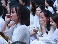 Học trò 'khóc như mưa' ngày chia tay cuối cấp