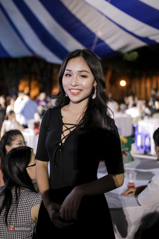 Nữ sinh Chu Văn An xinh đẹp ngẩn ngơ trong đêm tri ân/ trưởng thành-11