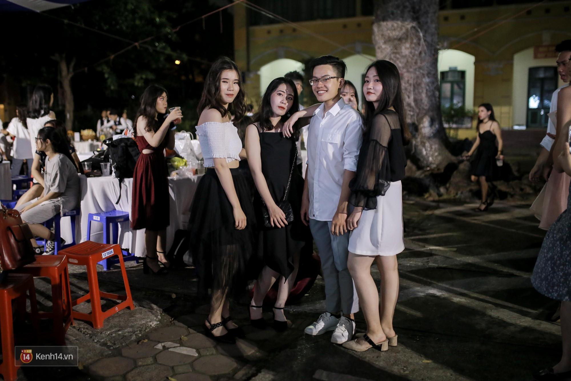 Nữ sinh Chu Văn An xinh đẹp ngẩn ngơ trong đêm tri ân/ trưởng thành-12
