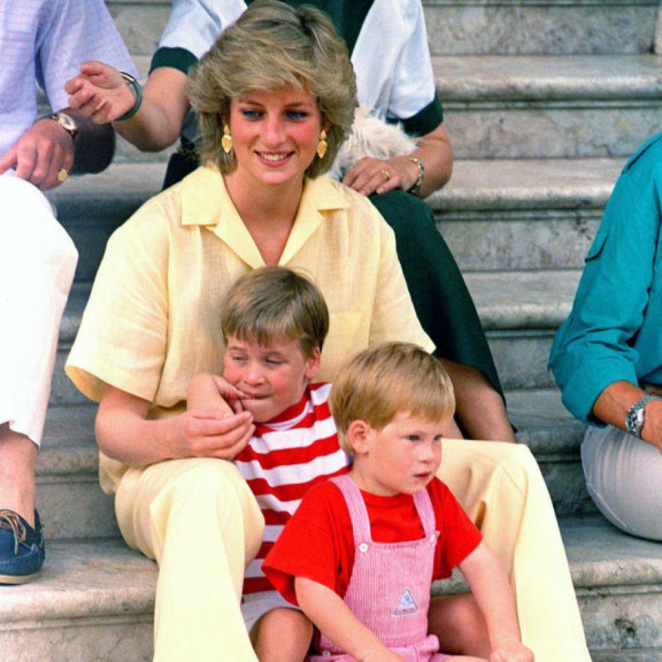 Nhan sắc và khí chất hoàn hảo của cố Công nương Diana trong những khoảnh khắc xưa-14