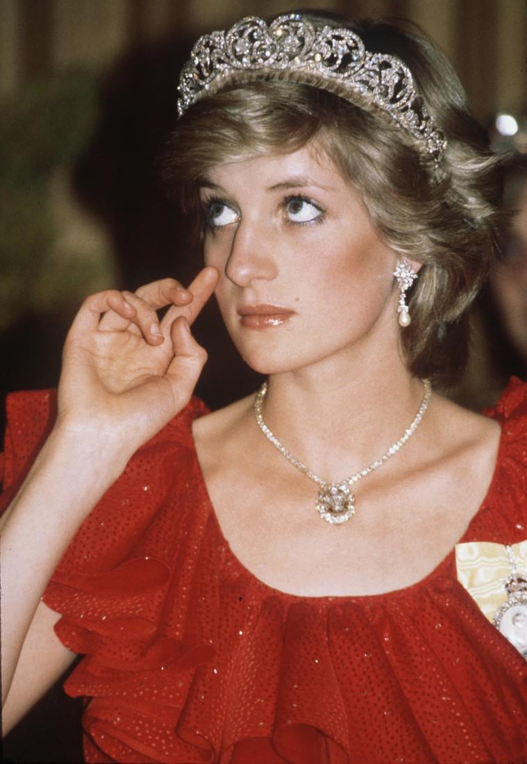 Nhan sắc và khí chất hoàn hảo của cố Công nương Diana trong những khoảnh khắc xưa-5