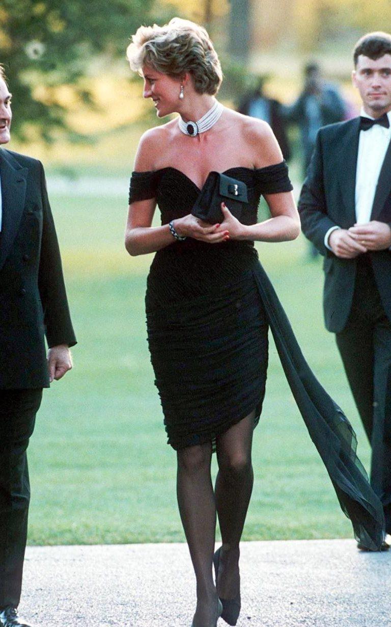 Nhan sắc và khí chất hoàn hảo của cố Công nương Diana trong những khoảnh khắc xưa-12