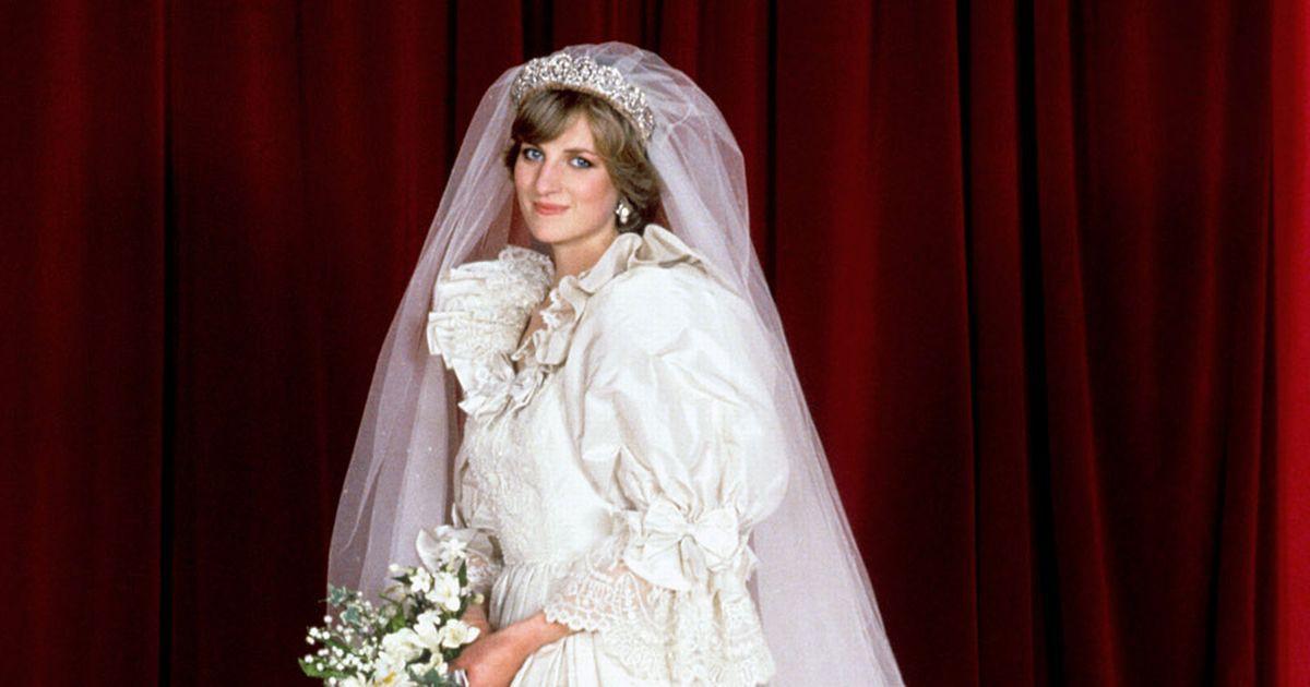 Nhan sắc và khí chất hoàn hảo của cố Công nương Diana trong những khoảnh khắc xưa-8