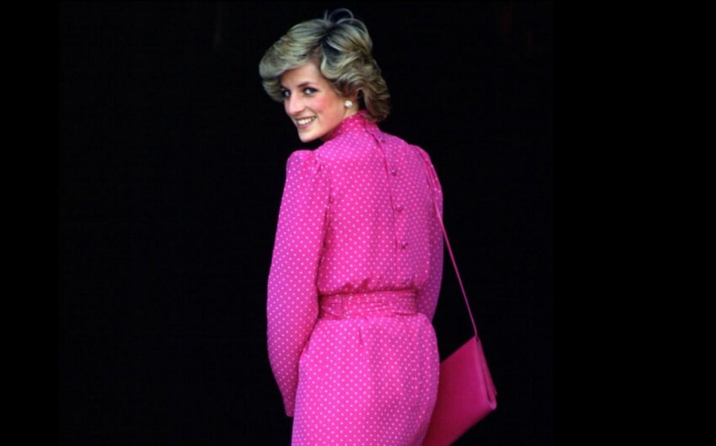 Nhan sắc và khí chất hoàn hảo của cố Công nương Diana trong những khoảnh khắc xưa-11