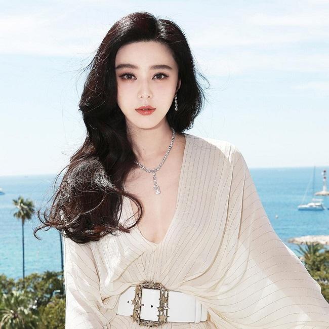 Mai Phương Thúy, Lý Nhã Kỳ xếp cạnh Lưu Diệc Phi trong top đẹp nhất châu Á-6
