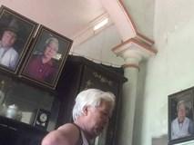 Bác trung niên hằng ngày tự chụp ảnh bằng điện thoại rồi phóng to treo khắp nhà bất ngờ nổi tiếng trên MXH