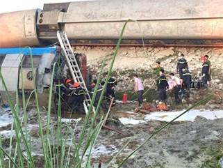 Lật tàu ở Thanh Hóa, 2 người chết