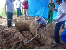 Người thân rùng mình kể lại giây phút khai quật tử thi 6 năm
