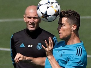 """Chung kết Cúp C1: Real - Ronaldo luyện """"đòn kịch độc"""", Liverpool run sợ"""