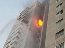 Cháy ở chung cư cao 23 tầng, hàng trăm người tháo chạy