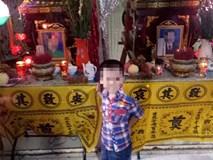 Nghẹn ngào đám tang  cặp vợ chồng giáo viên chết lõa thể, con trai 3 tuổi ngây ngô bên linh cữu