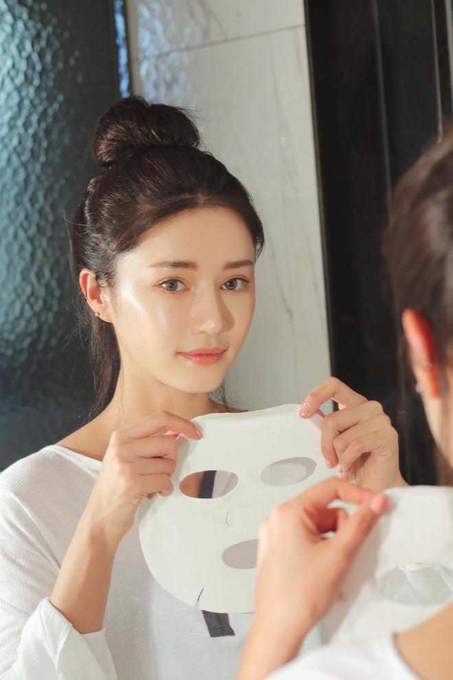 Chỉ cần một thao tác nhỏ khi đắp mặt nạ giấy, các nàng có thể tăng gấp đôi hiệu quả dưỡng da-1