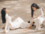 Cặp chị em sinh đôi 18 tuổi 'hút hồn' trong bộ ảnh chia tay mái trường