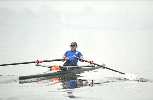 Hàng nghìn người xem lễ hội bơi chải thuyền rồng Hồ Tây-3